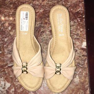 "2 1/2"" wedge sandals"